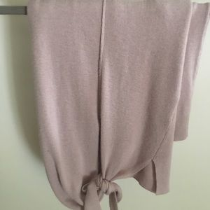 Sweaters - Light sweater with tie at bottom in soft pink